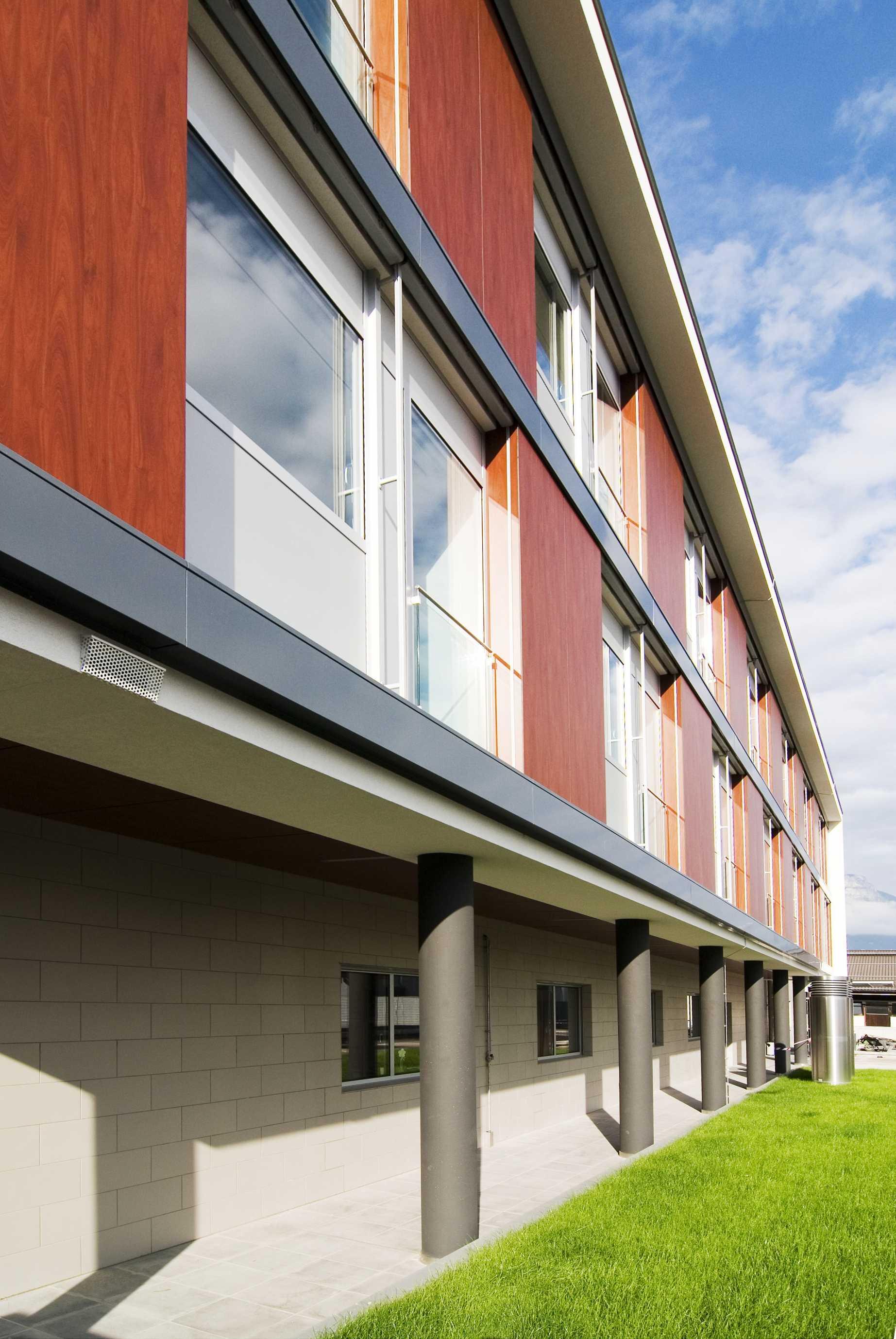 Fachadas ventiladas composite aluminios tom s - Aluminios escaso ...