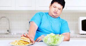 fat man avoid fast food