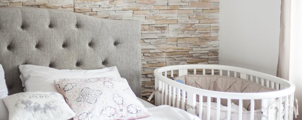 baby-erstausstattung-schlafen-stokke-sleepi-bett-teaser