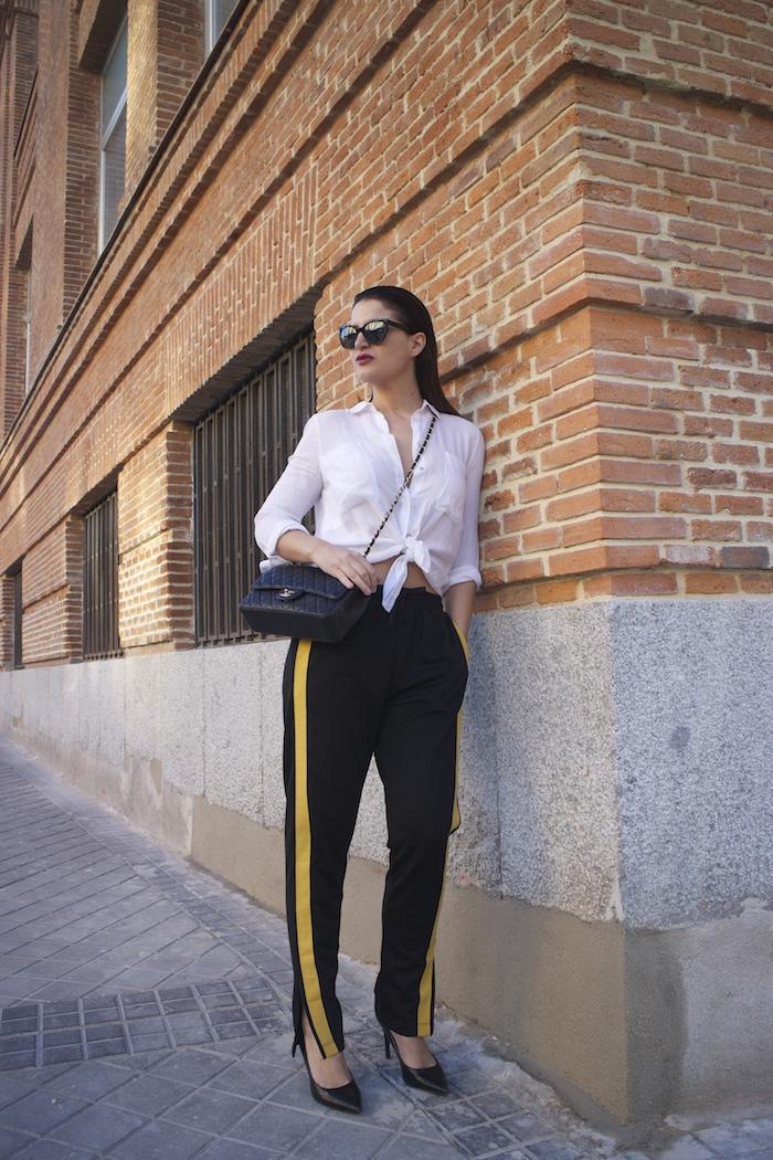 pantalón chandal zara bolso chanel gafas amaras la moda paula fraile7