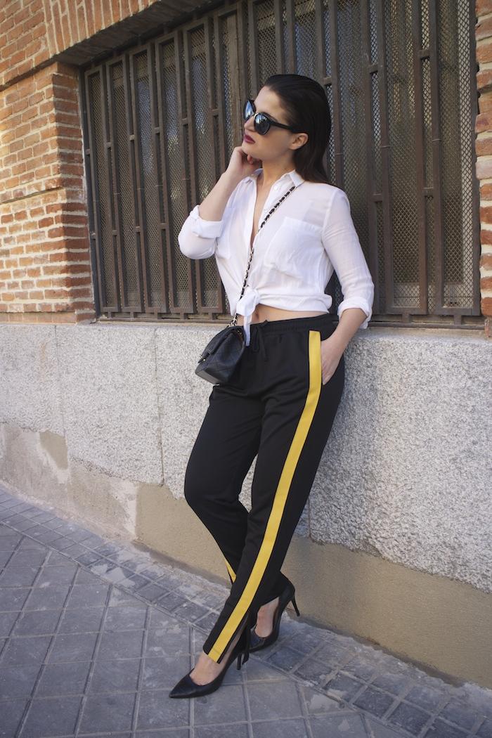 pantalón chandal zara bolso chanel gafas amaras la moda paula fraile8
