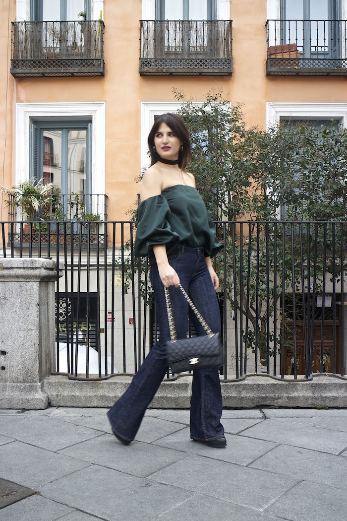 top raso verde palabra de honor zara jeans amaras la moda paula fraile.3