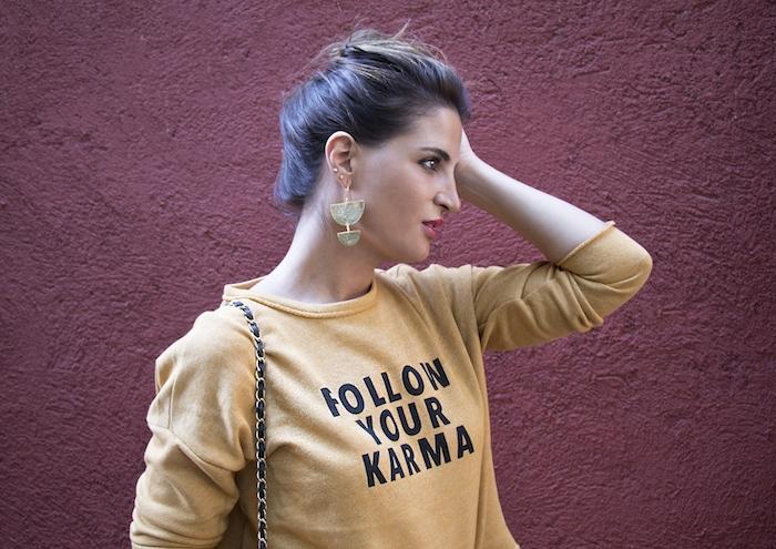 follow your karma sudadera zara falda denim tweed pendientes tiahra madrid paula fraile amaras la moda13