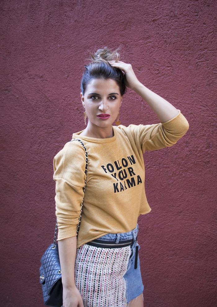 follow your karma sudadera zara falda denim tweed pendientes tiahra madrid paula fraile amaras la moda9