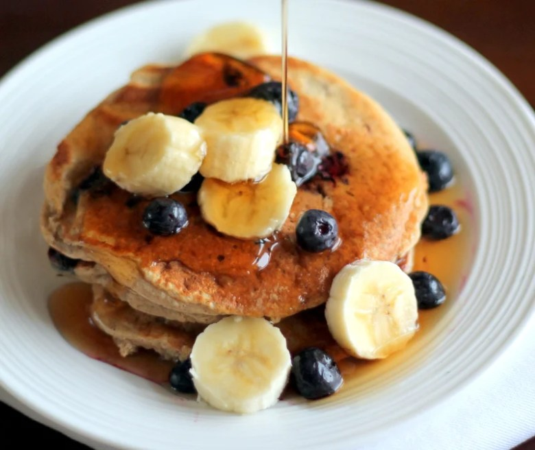 Paleo Banana-Oat Cottage Cheese Pancakes