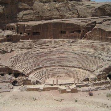 petra_amphitheater