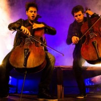 "2CELLOS RELEASE IRON MAIDEN ""THE TROOPER"" AND ""WILLIAM TELL OVERTURE"" MASH UP"