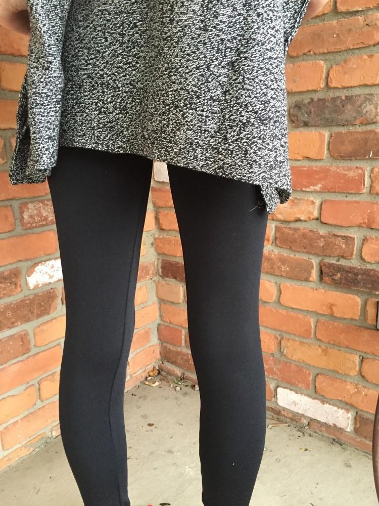 MTLA Kristin Fleece Legging & RD Style Calandri Contrast Sleeve Poncho // www.amonkeyandhismama.com