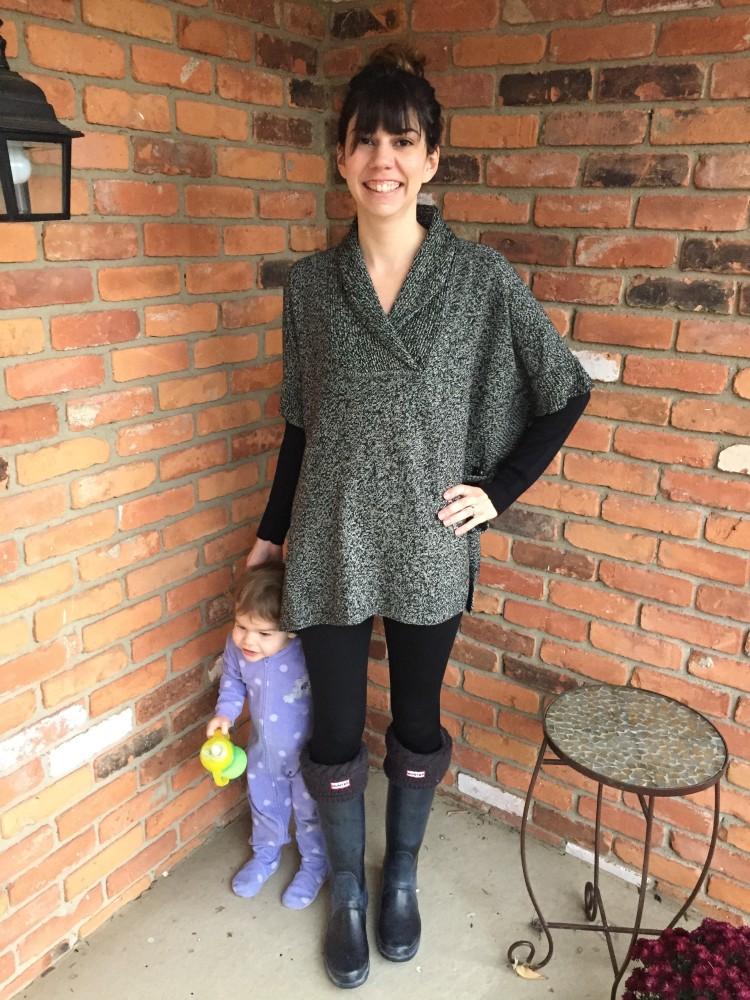 RD Style Calandri Contrast Sleeve Poncho // www.amonkeyandhismama.com