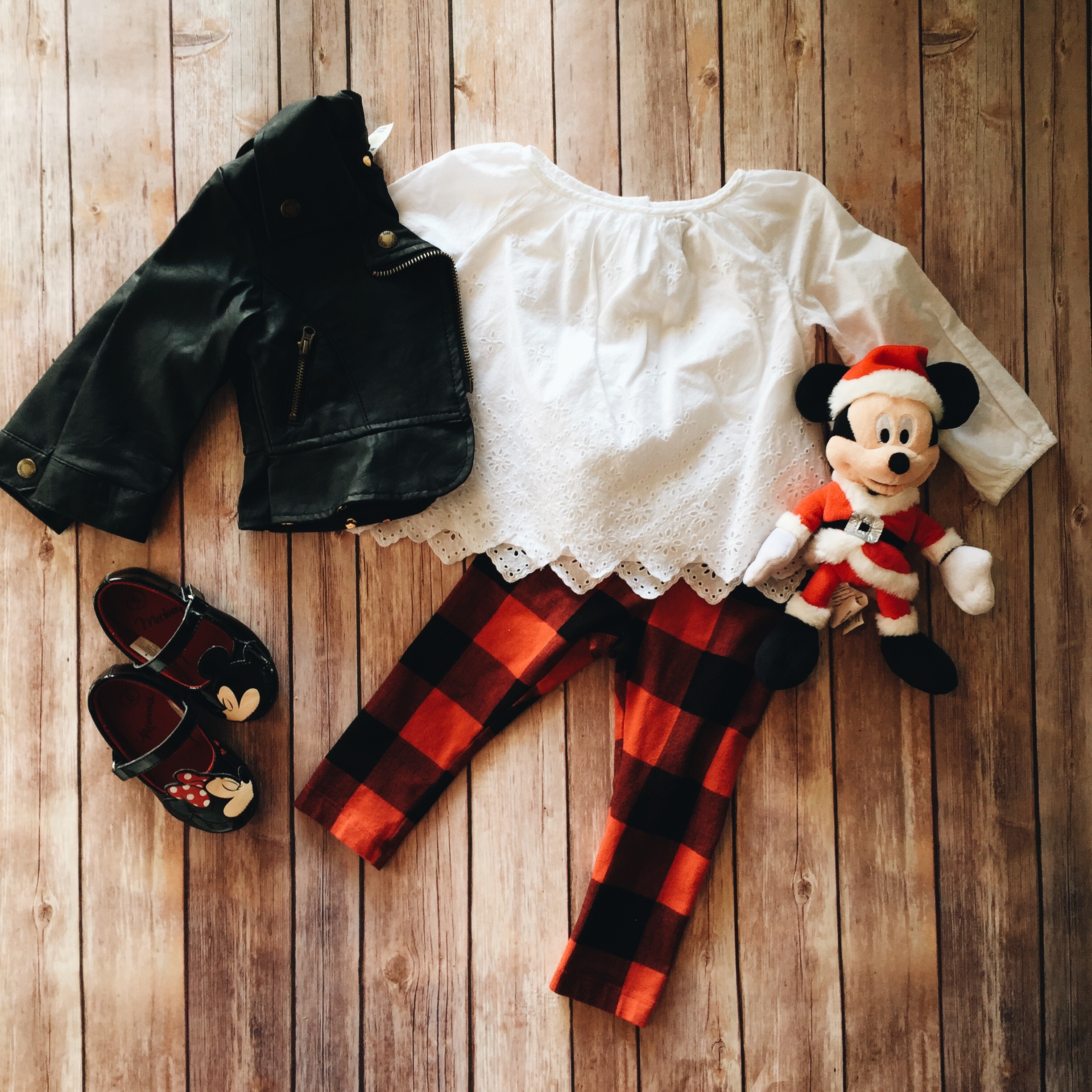 mickey christmas toddler girl style inspiration // www.amonkeyandhismama.com