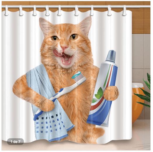 Cortina gato se ava los dientes