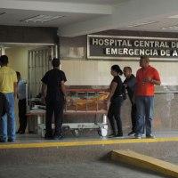 Mujer parió a las afueras del hospital Central de Maracay (+Video)