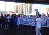 Estudiantes de Anzoátegui protestaron en la avenida Fabricio Ojeda en Barcelona