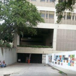 Entrada de la Escuela de Médicos del Hospital Vargas