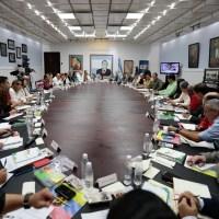 "Maduro insta a venezolanos participar en ""Expo-Venezuela Potencia 2017"""