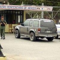 Mataron a tres presuntos funcionarios policiales en las puertas de la cárcel de Tocorón