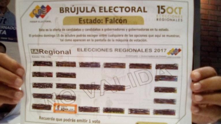 """""""Nosotros cargamos la boleta, les decimos que tienen que votar por la tarjeta blanca, la tarjeta de Acción Democrática. Hay mucho descontento hacia el Gobierno"""", dijo María Aguilar"""