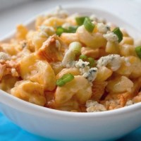 Healthy Buffalo Chicken Macaroni and Blue Cheese