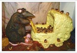 Мама-мышь с семейством в Галерее марципана.
