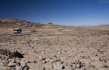 Лунный пейзаж на высоте 4800 метров.