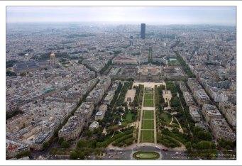 Город с высоты Эйфелевой башни.