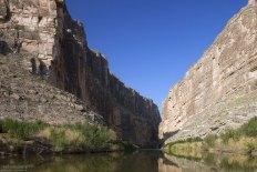 Каньон Св. Елены. Слева - мексиканская сторона.