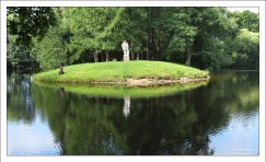 Мыс Геракла в Старом английском саду со статуей Геракла Фарнезского. Елагин остров.