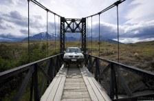 Мост через реку Paine и наш Мицубиси L 200.