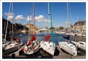 Старый порт (Vieux Bassin) в Онфлере.
