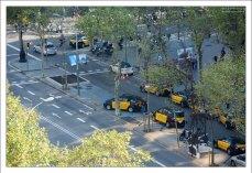 Такси на бульваре Грасиа.