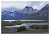 Гранитные рога Cuernos del Paine, видимые с обзорной площадки Mirador del Nordenskjold.