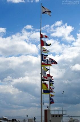 Флагштоки на пристани в Петергофе.