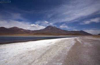 Береговая линия лагуны Miscanti.