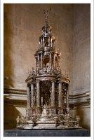 Монстрация - серебряная дароносица в Севильском соборе.