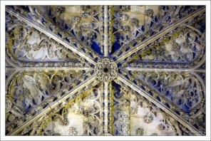 Ажурный потолок трансепта. Севильский собор.