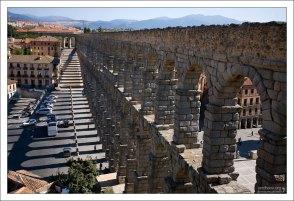 Акведук транспортировал воду из реки Fuente Fria, расположенной в 17 км от города. Сеговия, Испания.
