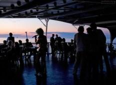 Вечерняя дискотека и конкурсы на теплоходе.
