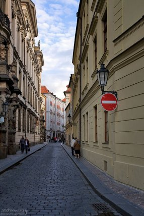 Узкие улочки Праги.