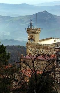 Телевизионная башня Сан-Марино.