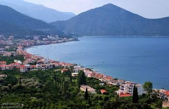 Курортное местечко Paralia Tyrou на восточном побережье полуострова Пелопоннес.