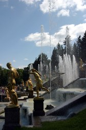 Скульптуры Большого каскада.