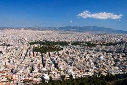 Панорама на белоснежные Афины с высоты холма Ликавиттос.