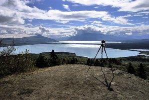 Вид на озеро Naknek Lake с горы Dumpling Mountain.