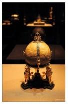 Ян Вермейен: Безоар в оправе из золота, изумрудов, рубинов. Высота: 25,5 см.