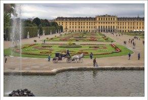 Шёнбрунн - основная летняя резиденция австрийских императоров династии Габсбургов.
