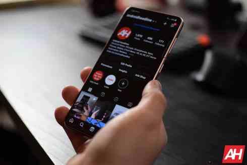 Samsung Galaxy S21 Review AM AH 24