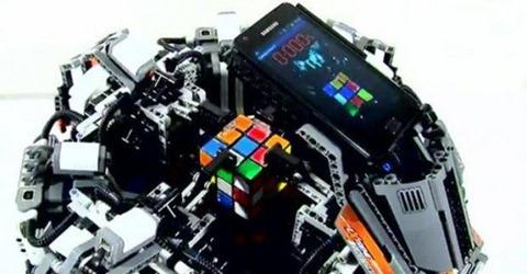 Samsung-Galaxy S2-risolve-il-cubo-di-rubik-in-5-secondi