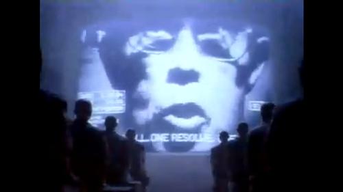 Einst hat man gegen eine Welt im Stile von 1984 Werbung gemacht, jetzt ist Apple selbst zum Big Brother geworden - Bild: Apple.