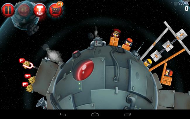 Willkommen auf der dunklen Seite der Macht: Zum ersten Mal darfst du in einem Angry-Birds-Spiel die Partei der Schweine ergreifen statt die der Vögel.