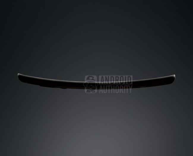Die Rundung des LG G Flex passt sich besser an die Kopfform an als die des Galaxy Round. Foto: Android Authority.